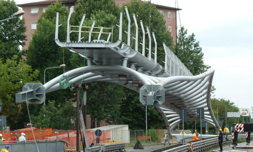 milan footbridge