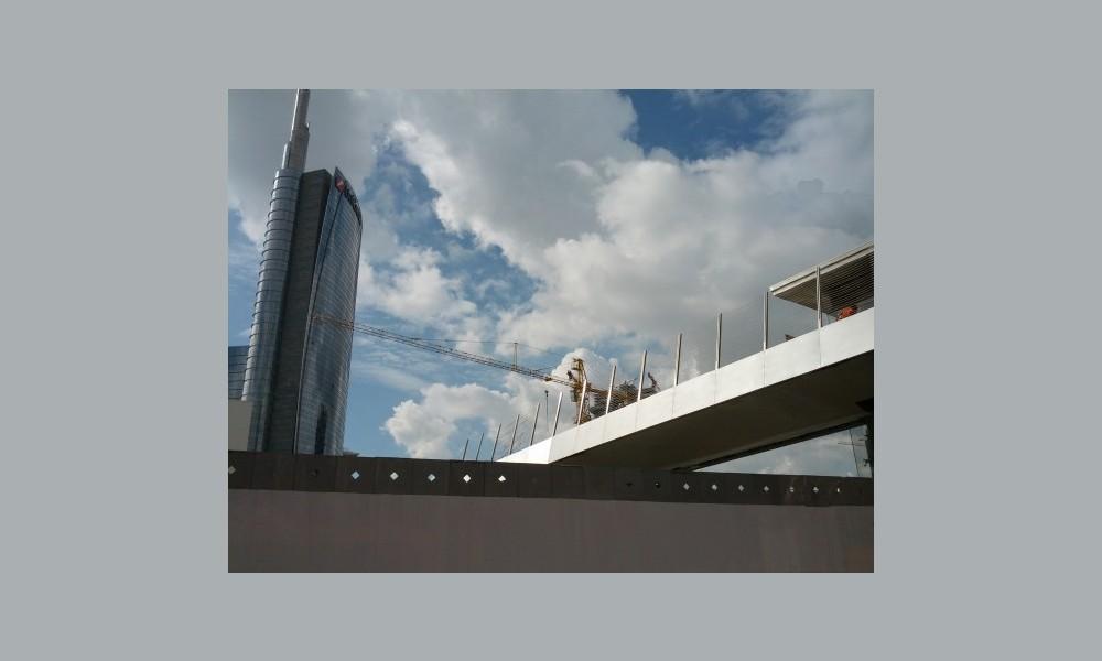 milan foot bridge